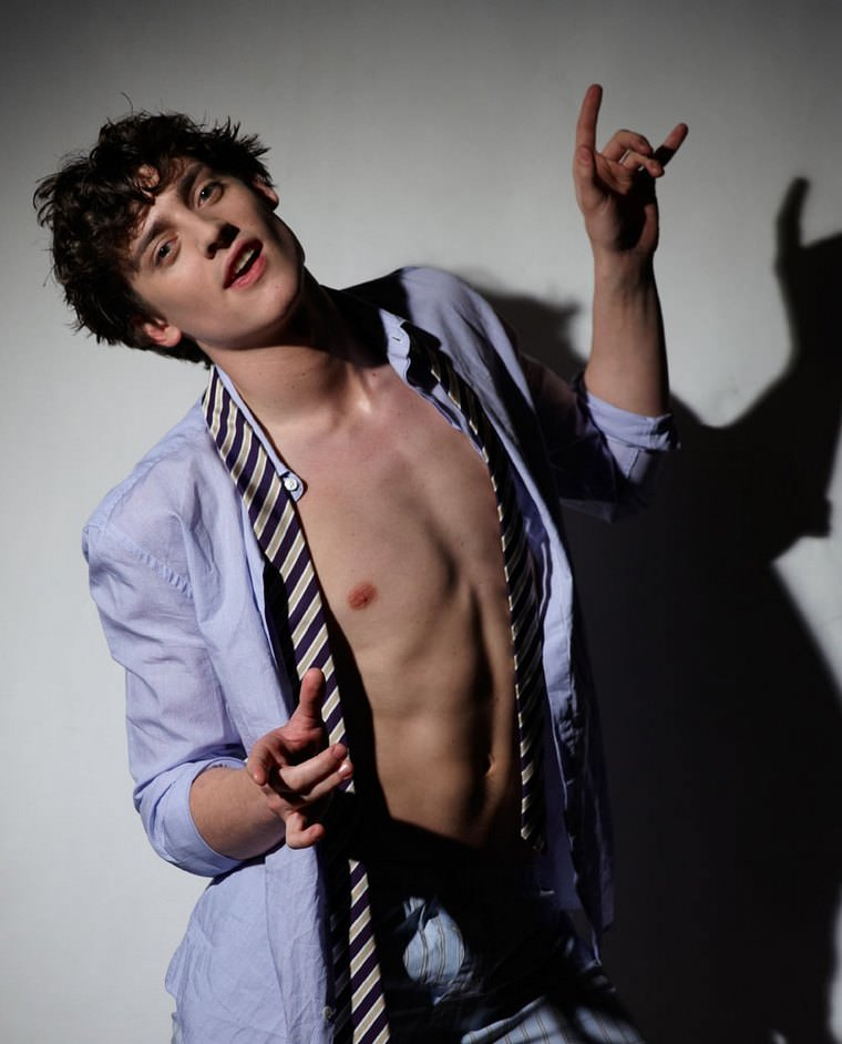 Shirtless Actor Aneurin Barnard