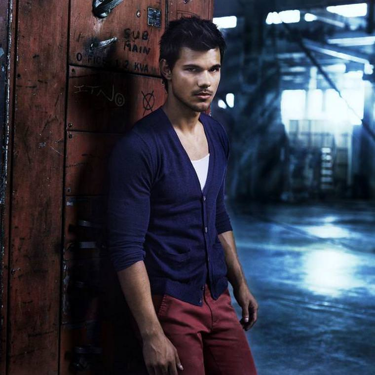 Taylor Lautner is Beautiful!