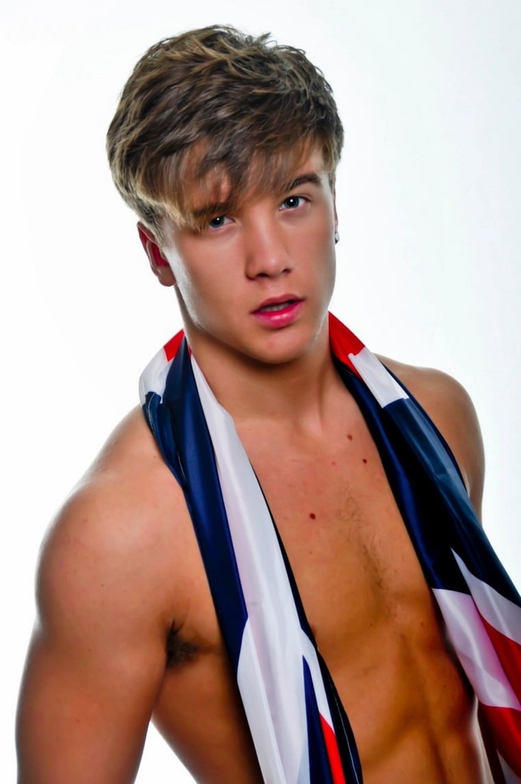 30+ Photos of Sam Callahan inc Naked! Sam Callahan