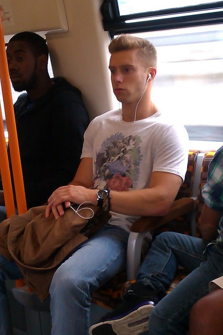 Hot Twink on the Tube